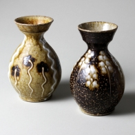 2 bud vases